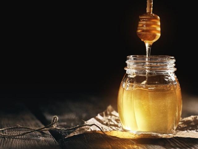 Faktencheck: Ist Honig gesünder als Zucker und hilft er bei Husten?