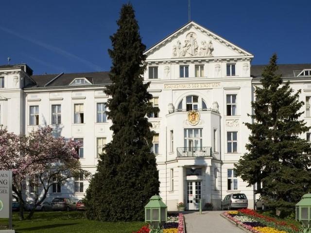 Corona: Stadt Wien wegen fristloser Entlassungen nach Feier geklagt