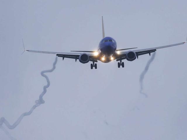 Schock im Boeing-Flieger: Ägypten-Urlauber erleben echten Horror über den Wolken
