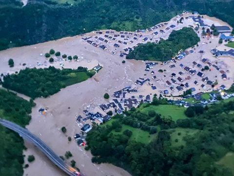 Überflutungen und Dauerregen - Häuser eingestürzt: Tote und viele Vermisste in der Eifel