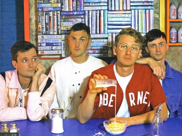 """Glass Animals teilen neue Single """"Heat Waves"""" – seht hier das Video"""