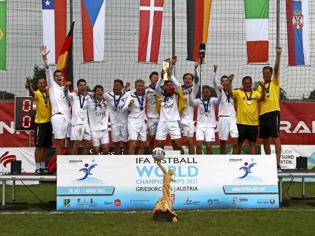 Faustball- EM der U21: Ein Vaihinger ist Europameister