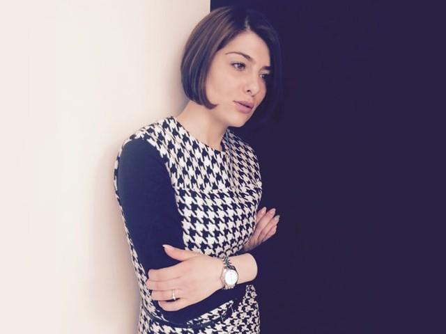 Elin Alumyan über ihre Stelle als Filialleiterin bei KUHN Maßkonfektion