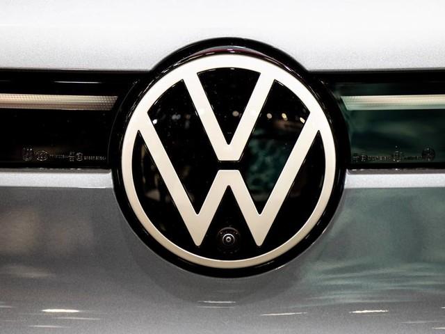 Chipmangel bremst VW aus - Konzern senkt Auslieferungsprognose