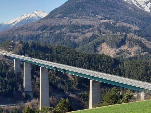 Über den Brenner fuhren 2,6 Millionen Fahrzeuge weniger