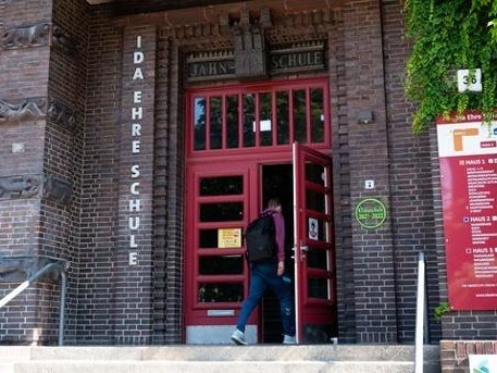 Angriff auf Polizist in Hamburg: Suspendierte Kinder der Ida-Ehre-Schule wieder im Unterricht