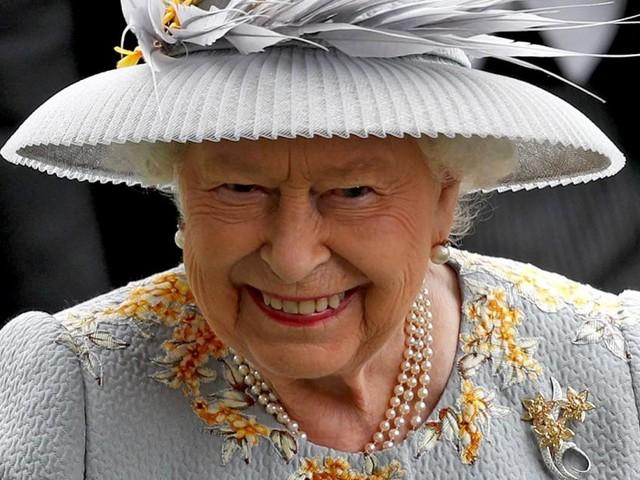 Queen Elizabeths eindeutige Reaktion auf Prinz Harrys Babynamen-Wahl