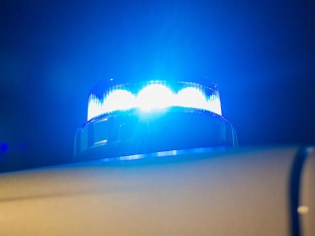 13-Jähriger an Schule mit Waffe bedroht: Lehrer verletzt