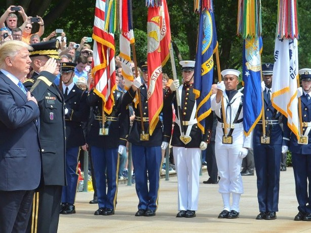 Telefonat: Donald Trump stößt Soldatenwitwe mit Spruch vor den Kopf