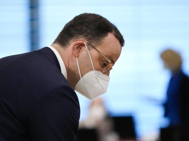 Corona-Pandemie: Spahn wegen Milliardensummen für Masken in der Kritik