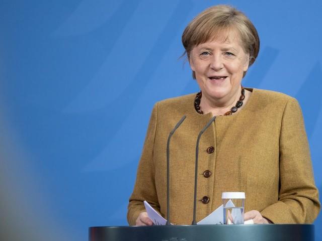Erste Spritze erhalten: Kanzlerin Merkel mit Astrazeneca geimpft