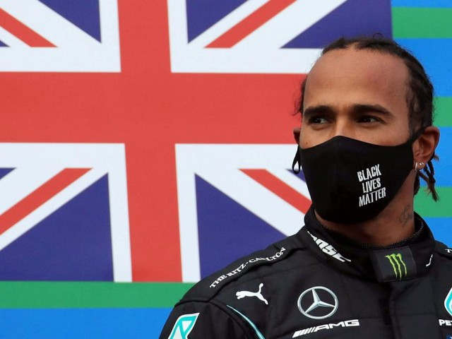 Noch immer ohne Vertrag: Hat sich Lewis Hamilton verpokert?