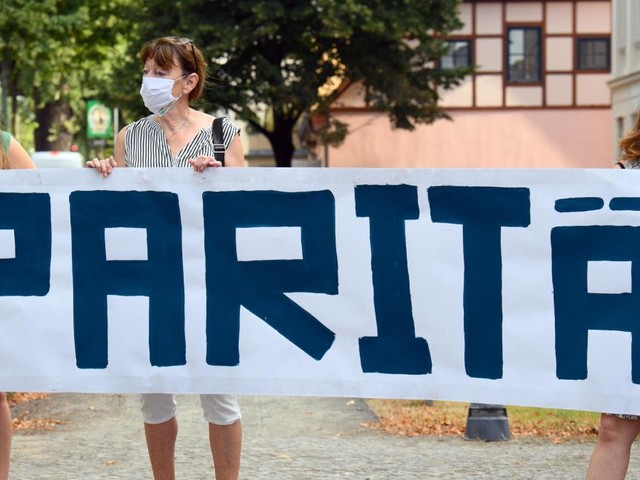 Rita Süssmuth kritisiert Urteil zur Aufhebung des Brandenburger Paritätsgesetzes