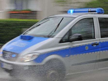 Esslingen: Fußgänger angefahren und geflüchtet