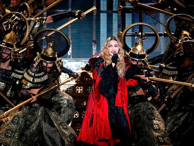 Madonna: Fans in Paris müssendreieinhalb Stunden auf Konzertbeginn warten