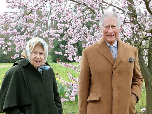 Charles' Miene verheißt nichts gutes: Krisensitzung auf Balmoral zu viel für Queen?