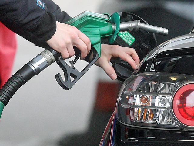 Spritkosten wegen CO2-Abgabe Pendler und Co.: So teuer wird das Tanken im neuen Jahr für Sie!