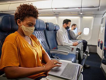 Flugreisen: Geringe Infektionsgefahr nach PCR-Test