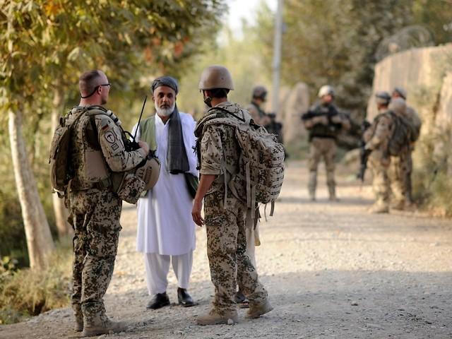 Merkel sichert Unterstützung zu: Bundeswehr-Helfer fürchten Taliban-Rache