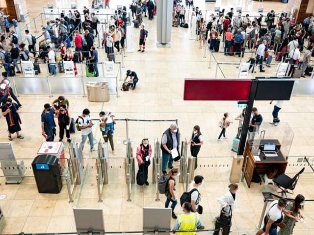 Hauptstadt-Flughafen: Umfrage: Passagiere am BER zufriedener als in Tegel