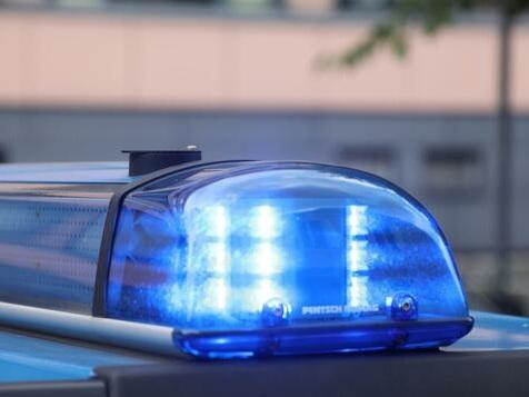 Maskenverweigerer attackiert schwangere Mitarbeiterin in Berliner Bäckerei
