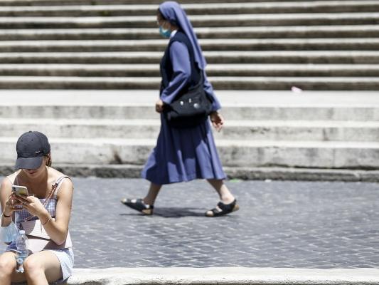 Bild des Tages: Maskenlos in Rom.