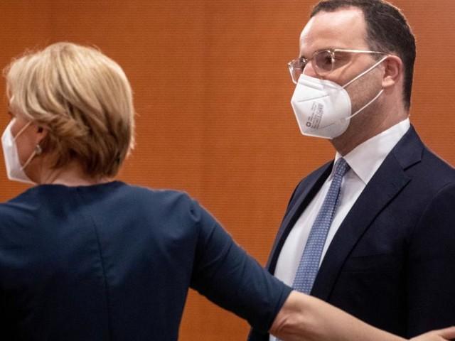 """Spahn und SPD streiten über """"minderwertige"""" Masken für Obdachlose und Hartz-IV-Bezieher"""
