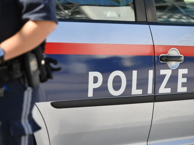 Wien-Wieden: Mutmaßliche Räuber schlafend in Stiegenhaus gefunden