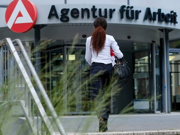 Arbeitslosenzahlen: 82.000 Jobsuchende – Hamburger Arbeitsmarkt entspannt sich