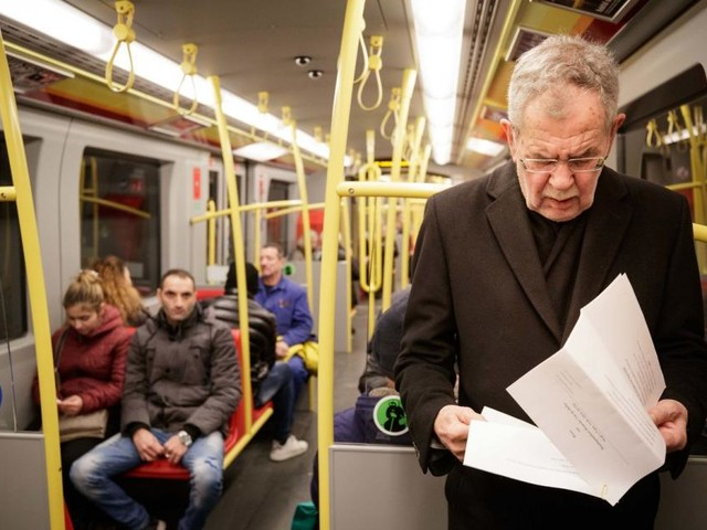 Bundespräsident Van der Bellen fuhr mit der U-Bahn