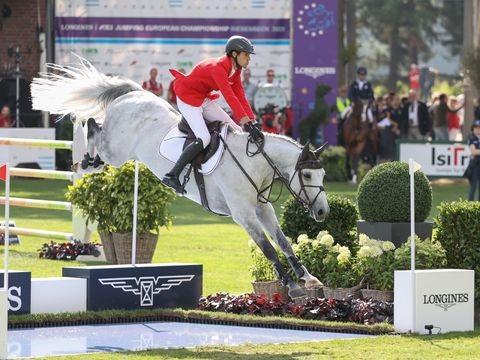 Pferdesport - Gold in Reichweite: Springreiter starten bei EM als Zweiter