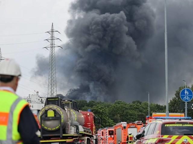Bislang fünf Tote: Weiter zwei Vermisste nach Explosion in Leverkusen