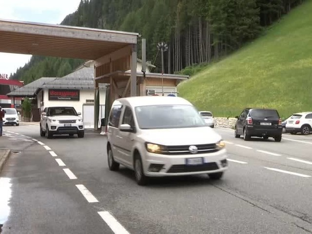 Video: Freude am Brenner - Österreich öffnet die Grenze zu Italien