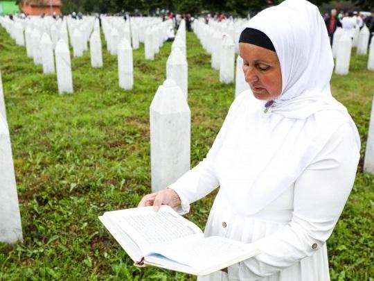 Bosnien-Herzegowina - Leugnung des Völkermords von Srebrenica strafbar