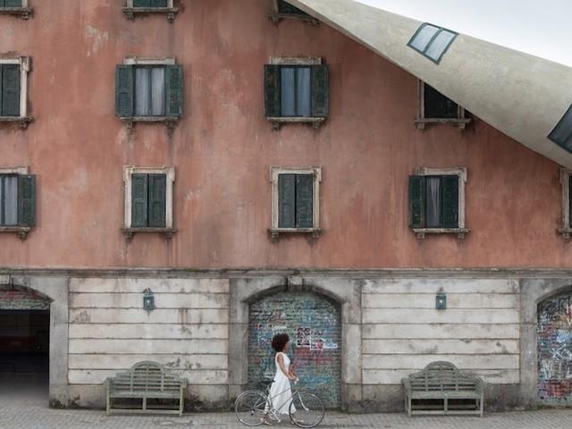 'Unzipping Building' – Imposantes Projekt von Alex Chinneck in Mailand