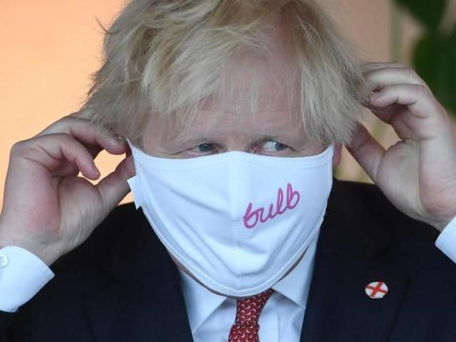 Johnson hebt die Corona-Regeln auf - und mahnt zur Vorsicht