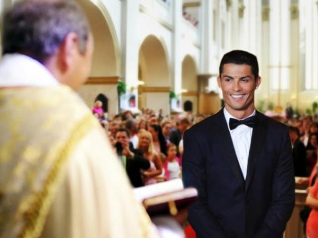 Traumhochzeit: Cristiano Ronaldo heiratet sich selbst
