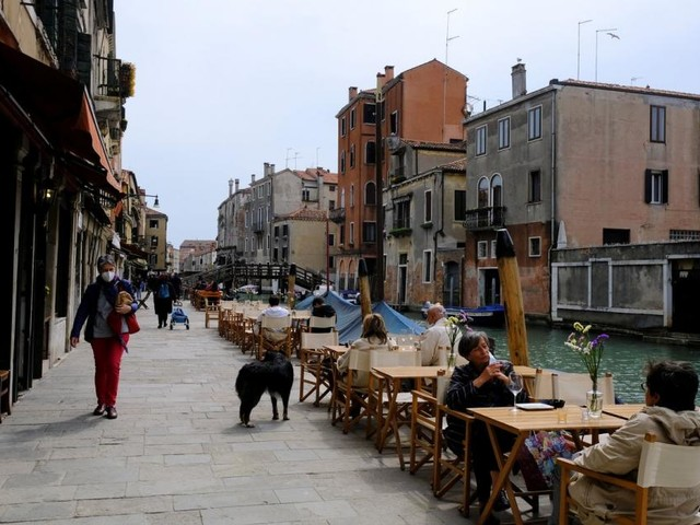 Italiens Regierung ist gegen Impfungen am Strand