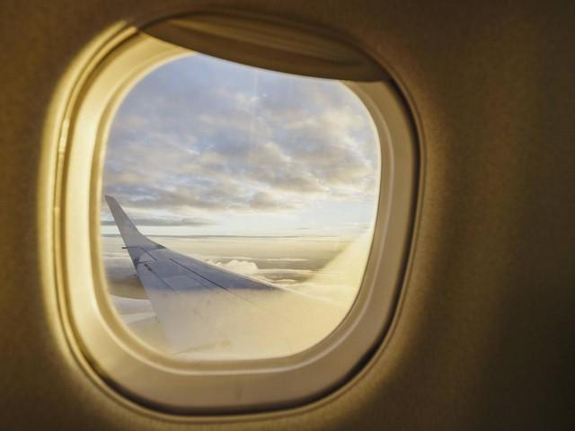 Flugezug-Mythen: Warum müssen die Sonnenblenden beim Start oben bleiben?