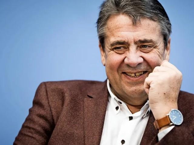 10.000 Euro monatlich: Sigmar Gabriel beriet Fleischkonzern Tönnies