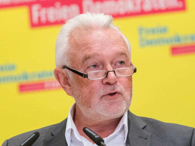 """Kubicki keilt mit """"Spacken""""-Spruch gegen Lauterbach - und muss sich nach """"unwürdiger Einlassung"""" verteidigen"""