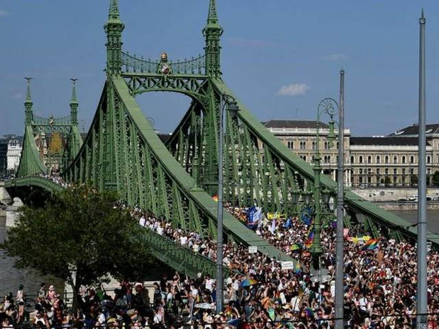 Menschenrechte: Ungarn: Große Demonstration für Rechte Nicht-Heterosexueller