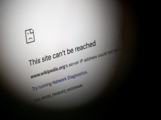 Wikipedia geht offline und das ist der Grund