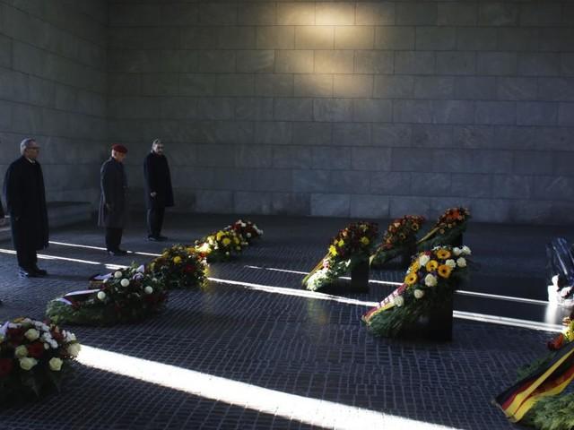 """""""Verschissmus"""" statt """"Faschismus"""" auf Trauerschleife: SPD empört"""