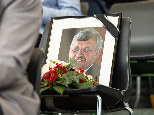 "Fall Lübcke im News-Ticker - Bundespräsident fordert rasche Aufklärung: ""Furchtbar und unerträglich"""