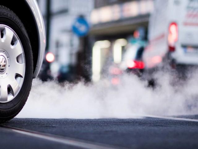 VW, BMW, Mercedes: Umwelthilfe und Greenpeace planen Klagen gegen Autobauer