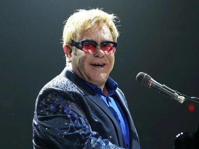 Elton John: Wohnzimmer-Konzert riesiger Spenden-Erfolg