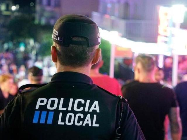 Nachbarn hörten Streit - Deutsche auf Mallorca erstochen - Freund lief mit blutiger Tatwaffe auf die Straße