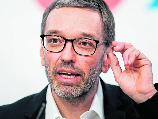 """Herbert Kickl: Wie ein """"Buhmann"""" Stimmen holt"""