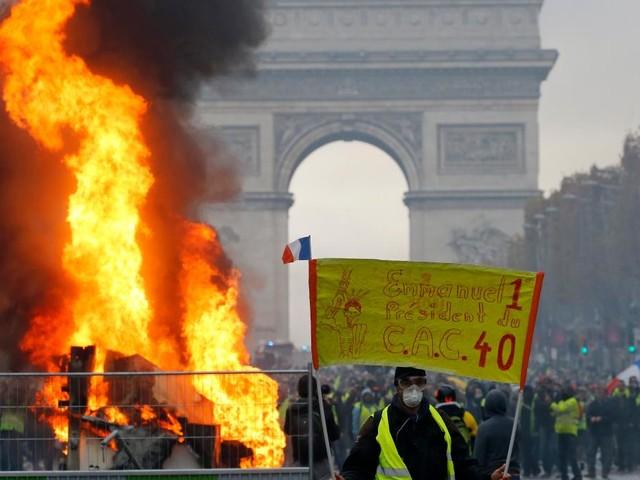 """Polizei geht gegen Demonstranten vor – """"Wird einen Bürgerkrieg auslösen"""""""